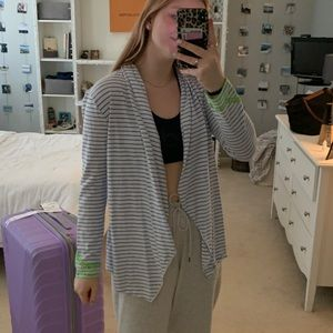 Vineyard vines blue striped cardigan w details